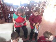 Alumnos de la Seño Carolina en Biblioteca 16