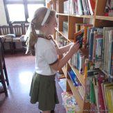 Padres y alumnos visitan la Biblioteca 7