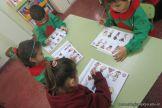Utilizando el libro de Ingles en Salas de 4 2