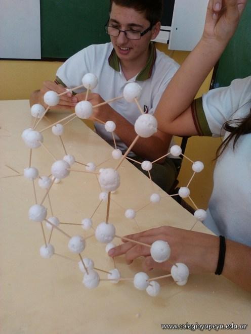 Alótropos de carbono 14