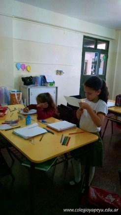 Clasificando útiles escolares 13