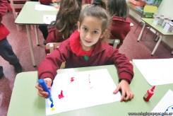 Dibujamos con plasticolas de colores 11