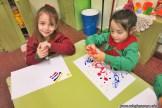 Dibujamos con plasticolas de colores 6