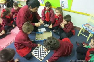 Jugamos al ajedrez 8
