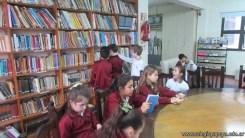 Tercero visita la biblioteca 12