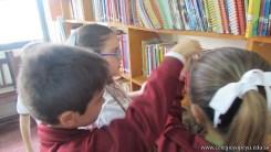 Tercero visita la biblioteca 46