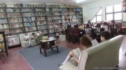 Tercero visita la biblioteca 74