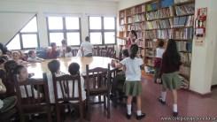 Tercero visita la biblioteca 87