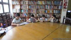 Tercero visita la biblioteca 99