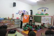 Clase abierta de inglés en la sala de Antonella 7