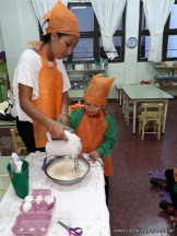 ¡Aprendemos inglés cocinando cupcakes! 23