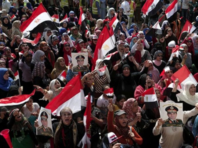 UN MUERTO POR DISPAROS DEL EJÉRCITO CONTRA SEGUIDORES DE MURSI EN EL CAIRO
