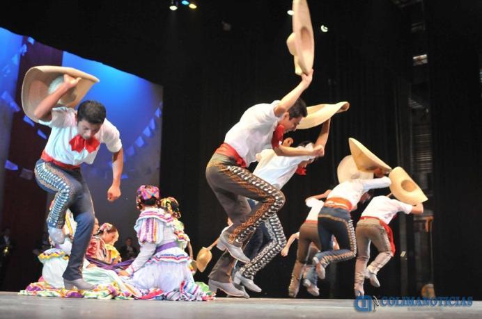 Ballet Folklorico de la UdeC26
