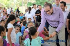 Cumple Nacho compromiso con familias de Minatitlán2