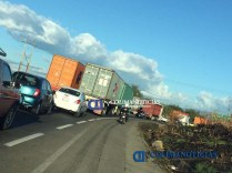 Se registra accidente de tráiler en autopista Colima-Mzllo2