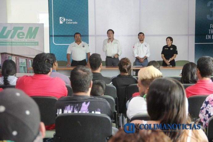 Imparten pláticas de prevención del delito a estudiantes de la UTM