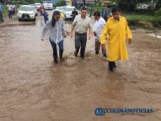 Gabriela Benavides recorre colonias afectadas por las lluvias3