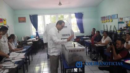 peralta vota en colima