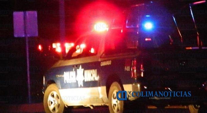policia municipal mzllo 696x380 - Balean a dos hombres en El Colomo