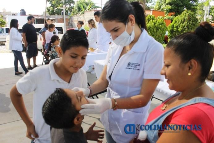 Brindan servicios de salud en Mirador de la Cumbre_a