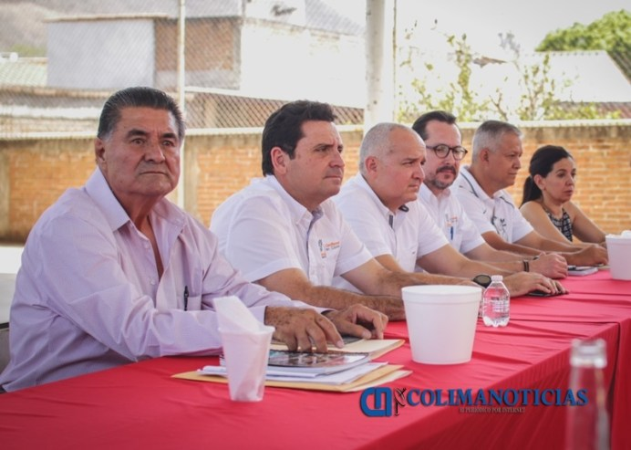 Leoncio Morán se reúne con autoridades auxiliares del Municipio de Colima