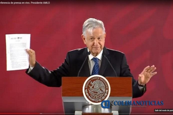 López Obrador firma compromiso de no reelección