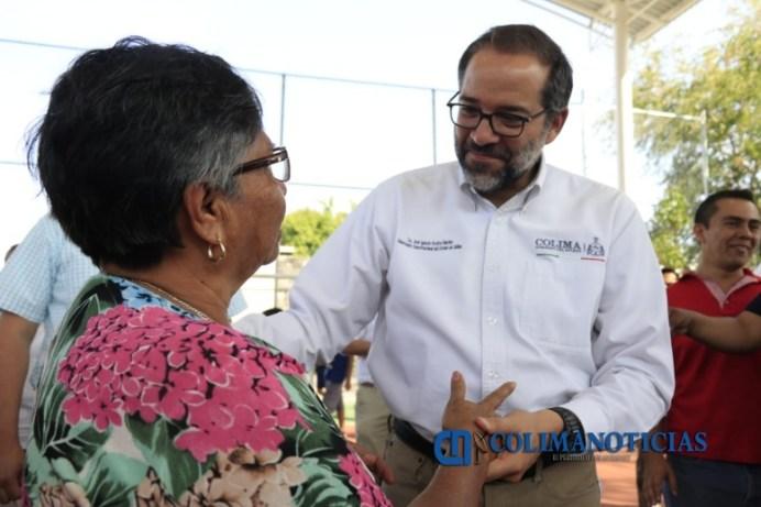 Cumple Gobernador compromisos con comunidades de Comala