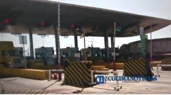 Hostiga policía de Tonila y personal de caseta a reporteros de Colima 3