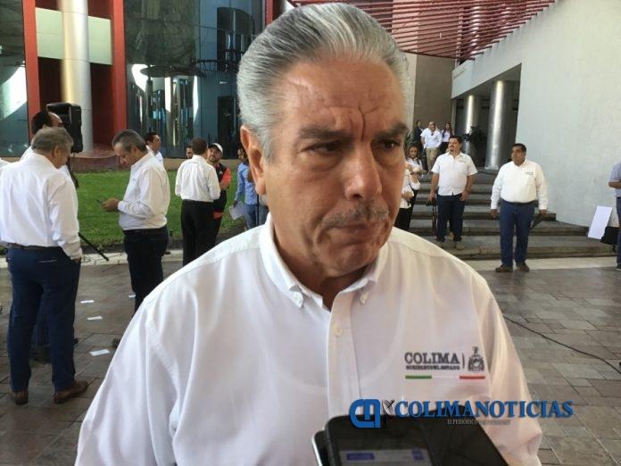 Jaime Flores Merlo 696x522 - Durante todo el ciclo escolar se credencializará a estudiantes de nivel básico: SE