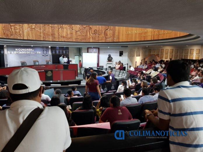 Congreso del Estado 696x522 - Aprueba congreso quitar exclusividad a la FEC de otorgar descuento en transporte a estudiantes