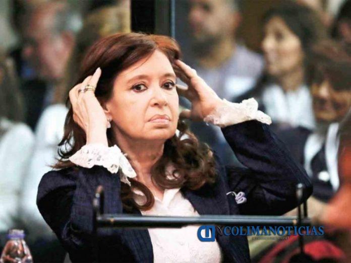 cristina fernandez 696x522 - Fiscalía acusa a Cristina Fernández por desvío de recursos de 51 contratos