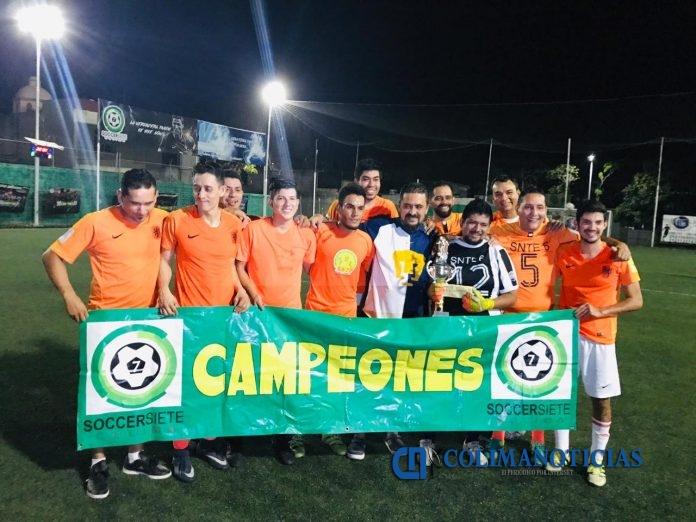 Equipo de la sección 6 del SNTE campeón en fútbol 7 696x522 - Equipo de la sección 6 del SNTE, campeón en fútbol 7