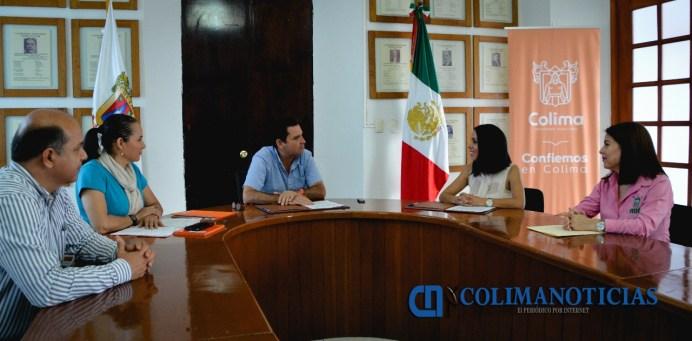 Firman convenio de colaboración entre el Ayuntamiento de Colima y la FEUC