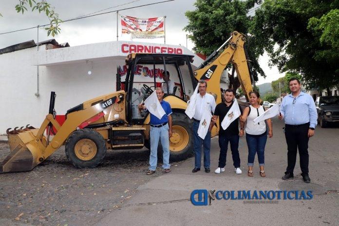 Ayuntamiento de Armería realiza obras de mejoramiento de la red de agua 696x464 - Ayuntamiento de Armería realiza obras de mejoramiento de la red de agua
