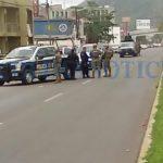 Enfrentamiento en pleno boulevard costero 2 150x150 - Enfrentamiento en pleno boulevard costero; se tiraron de moto a moto