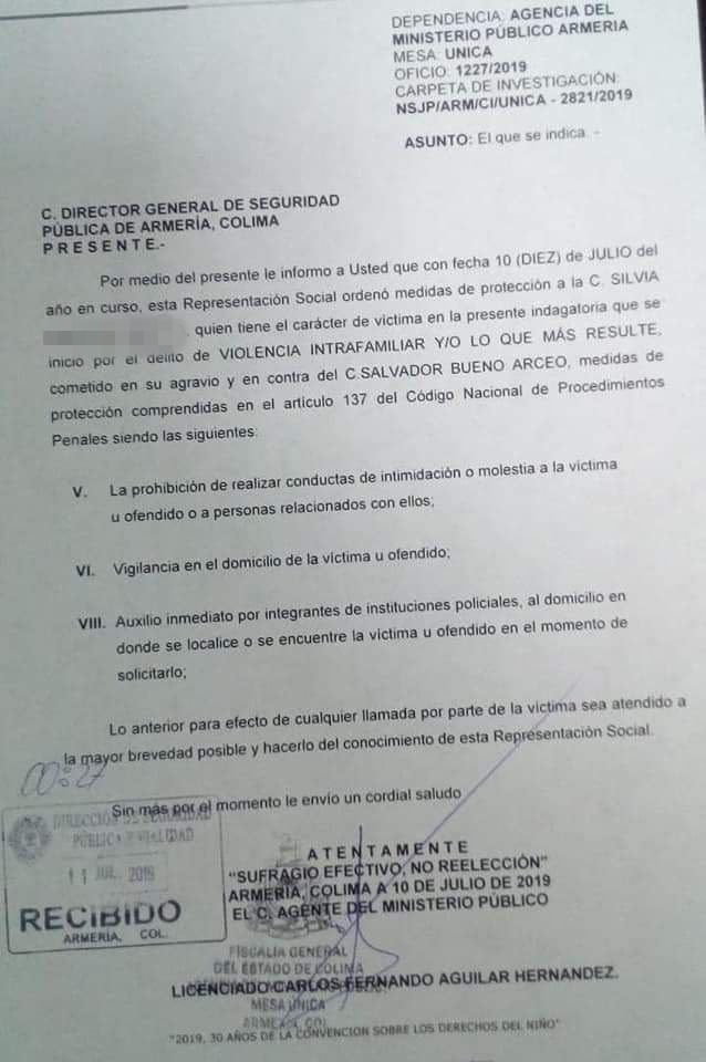 Orden de restricción 2 - Los problemas familiares se arreglan en casa: Alcalde de Armería