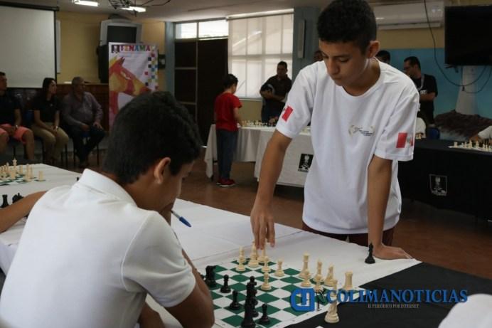 Realizan exhibición ajedrecistas de México y Perú en el Mundial Amateur en Manzanillo