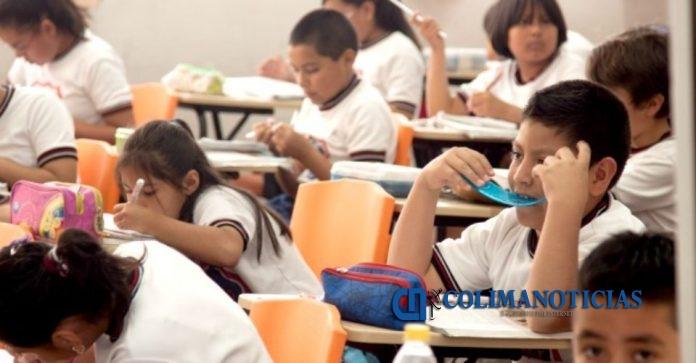 alumnos 696x363 - El 6% de infantes padecen trastorno por déficit de atención: Salud