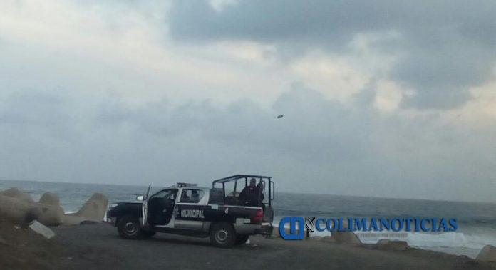 policía mzllo termoelectrica 696x379 - Salvan a dos hombres que cayeron a desagüe de la Termoeléctrica
