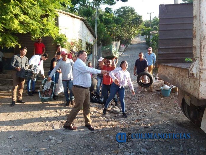 CAMPAÑA DE DESCACARRIZACION EN IXTLAHUACÁN 696x522 - Ayuntamiento de Ixtlahuacán continúa trabajando en campañas de descacharrización