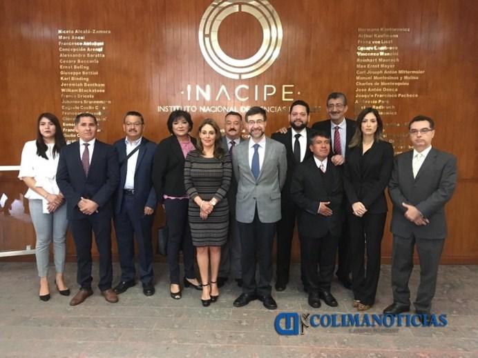 Participa fiscal anticorrupción en convención nacional