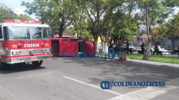 choque camioneta fallece mujer 696x392 - Reportan mortal accidente frente a los terrenos de la feria en La Estancia