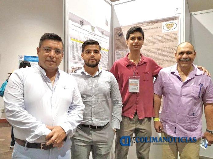 Estudiantes asisten a Congreso Nal. en Veracruz junto con sus profesores 696x522 - Presentan alumnos de la UdeC proyectos de investigación en congreso nacional