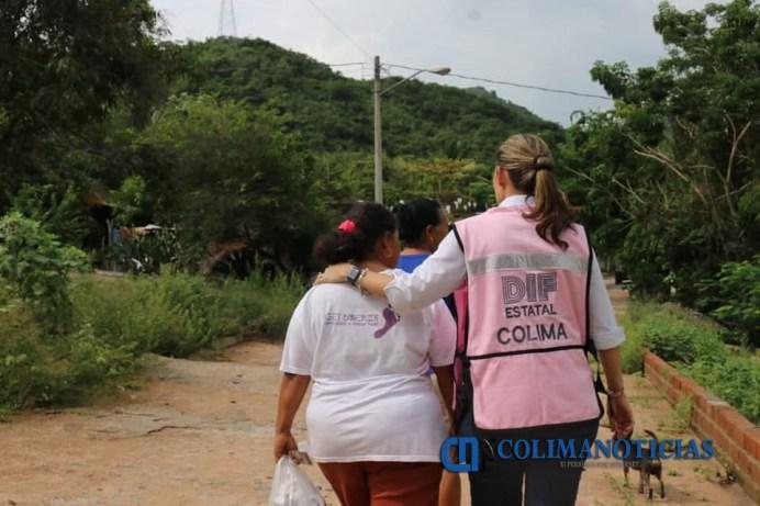Gobierno del Estado lleva apoyo a damnificados de El Charco y Marabasco