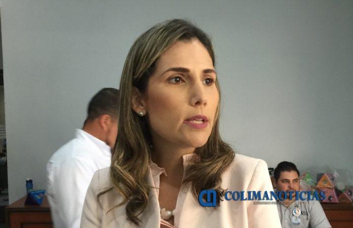 Margarita Moreno González 696x449 - DIF Estatal entrega a población vulnerable donaciones de Hacienda