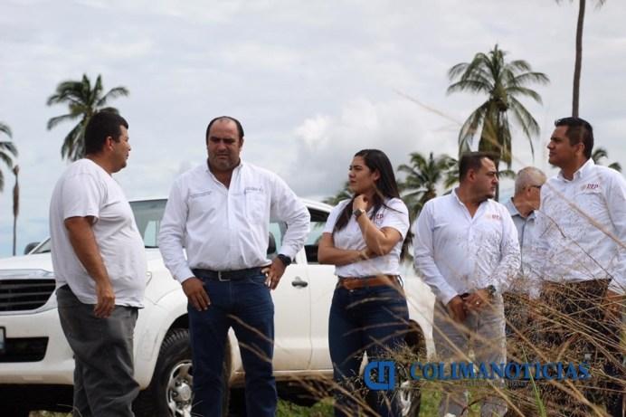 Recorre Indira Vizcaíno zona dañada por 'Lorena' en Manzanillo