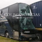choque trailer camion 150x150 - Más de 20 lesionados: camionazo en la autopista Colima-Guadalajara