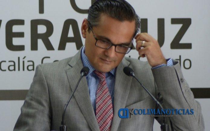 el fiscal general de veracruz jorge 696x433 - Congreso de Veracruz separa temporalmente del cargo a Winckler