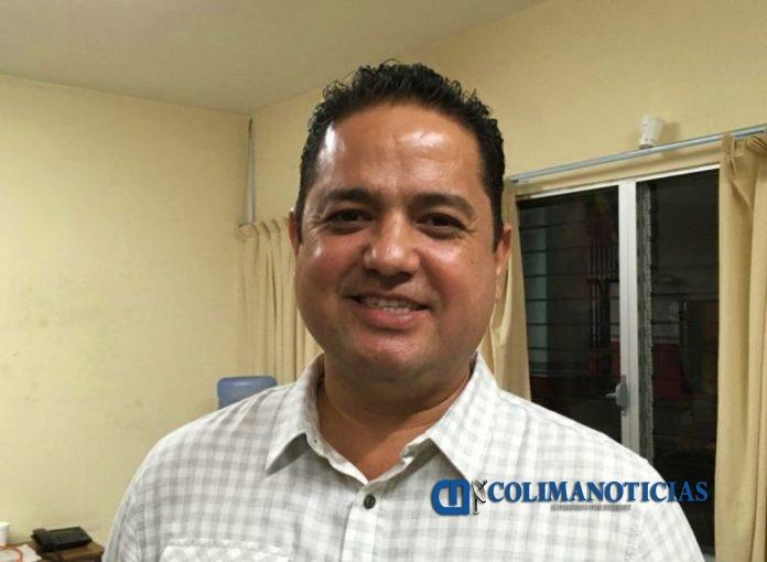 Carlos Cesar Farías 696x510 - Indira sólo se presenta a la entrega de apoyos y actúa como intermediaria: César Farías