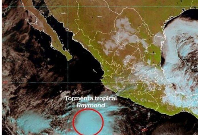 raymond 696x475 - Tormenta Tropical Raymond se localiza al suroeste de las costas de Jalisco y Colima